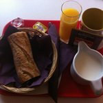 petit déjeuner à environ 6 euros (le moins cher)