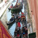 Entertaining gondoliers