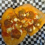 Buffalo meatball pizza Fritte