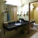 Separate sink area, bathroom