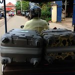Tuk Tuk direction aéroport avec valises