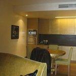 кухонный уголок в гостиной
