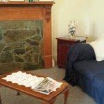 Rose Cottage - Lounge Room