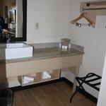 Vorbereich vom Bad mit Waschbecken