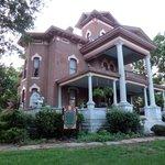 Foto de Lyons' Victorian Mansion