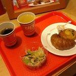 お部屋で朝食
