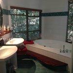 Huge bath/spa