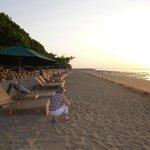 lever du jour sur la plage du Sanur Beach Hôtel