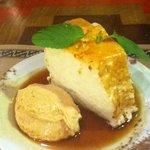 Sobremesa favorita: Isla flotante con mousse de dulce de leche (pudim de claras)