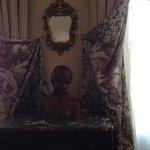 部屋の彫像
