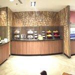 Fairfield Inn & Suites Marriott breakfast buffet