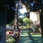 Tuin en toegang tot de kamers