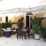 Lounge im Innenhof