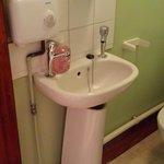 Room 9, Bathroom
