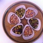 frutos secos and olivas