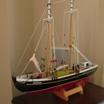 Model boat-b indide Inn