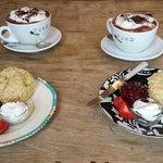 A fabulous Vegan cream tea (or rather hot chocolate!)