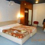 nice and spacious room