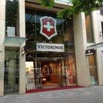 Victorinox Flagstore an der Königsallee 88 in Düsseldorf
