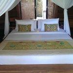 Bed in the villa Bidadari