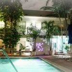 Art Deco Poolside Suites