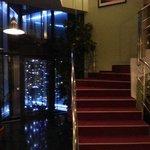 The corner elevator: just gorgeous !