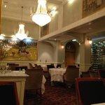 豪華なレストラン。こういうのが好きな人にはお薦め。