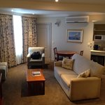 Lounge area in room