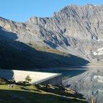 Le lac et le barrage de Salanfe