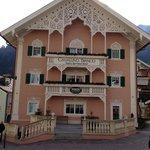 L'hotel si trova proprio nel centro di Ortisei
