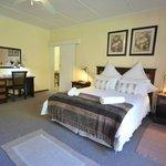 Antoinette Room