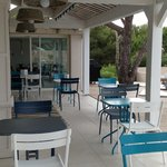 La terrasse, lieu idéal pour prendre le petit déjeuner avec une vue imprenable sur la Méditerran