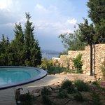 La piscine avec vue sur l'étang de Thau & la Méditerranée