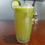 CHLOROPHYLL KICK (cucumber, kiwi, celery and apple).
