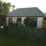 Photo de Hollyhock Cottage