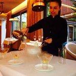 Nitro Cocktail servido por una camarera muy amable