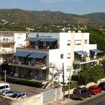 apartamentos Castellmar, a 25 mts de la playa.Amplios modernos y con terrazas soleadas.