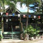 Gutside Bar and Restaraunt
