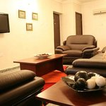 Luxury furnished seating room (Leather settees or fabrics)