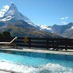 Pool mit Matterhorn
