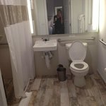 Bathroom (handicap accessible)