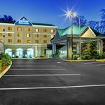 ‪Country Inn & Suites By Carlson, Asheville Downtown Tunnel Road (Biltmore Estate)‬