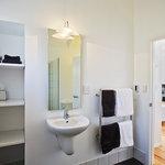 Bathroom, 1 bedroom villas