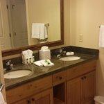 Bathroom 1 BR Suite