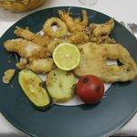 fritura de pescado con verdura