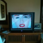 "29"" CRT TV 7 Locker"