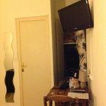 coin penderie et télévision