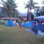 vista geral do camping Marymar, gramado bom