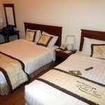 Spacious room, twin bed ( both queen size)