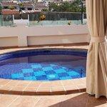 Наш бассейн с подогревом!